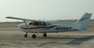 Cessna 172R - 180hp, N24547